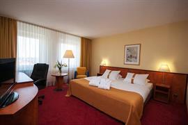 95444_002_Guestroom