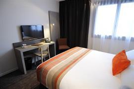 93775_005_Guestroom
