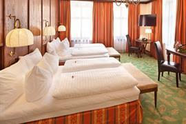 89115_005_Guestroom