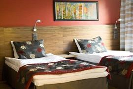 91064_006_Guestroom