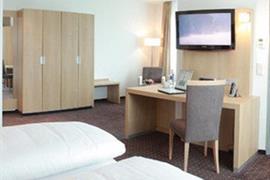 95406_004_Guestroom