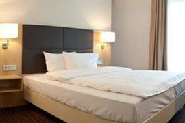 95406_005_Guestroom