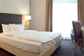 95406_006_Guestroom