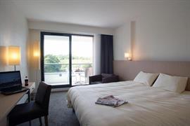 93585_006_Guestroom