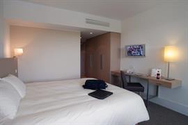 93585_007_Guestroom