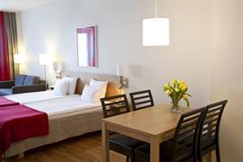 88186_005_Guestroom