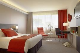 93787_002_Guestroom