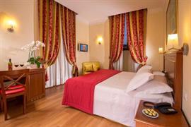 98349_005_Guestroom