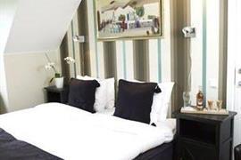 88158_006_Guestroom