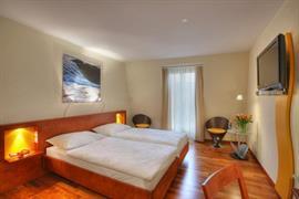 94220_006_Guestroom