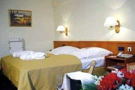 95187_002_Guestroom
