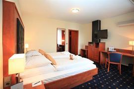 95187_005_Guestroom