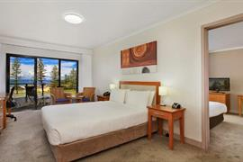 97437_004_Guestroom