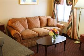 39080_006_Guestroom