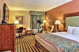 47094_006_Guestroom