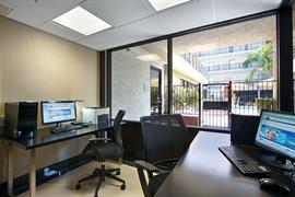 05705_004_Businesscenter