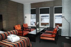 88072_005_Guestroom