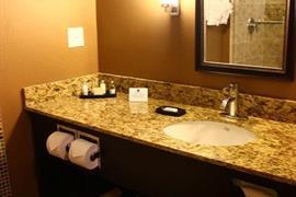10398_007_Guestroom