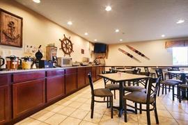 36144_004_Restaurant