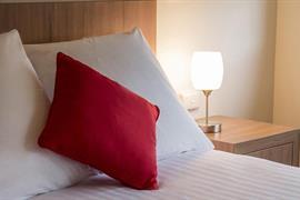 97435_003_Guestroom