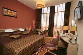 77596_005_Guestroom