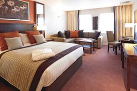 milford-hotel-bedrooms-03-83728