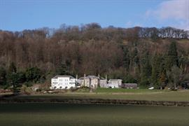 new-house-country-hotel-grounds-and-hotel-01-83444