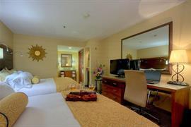 05693_007_Guestroom
