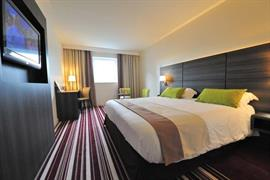 93785_002_Guestroom
