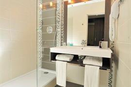 93785_006_Guestroom