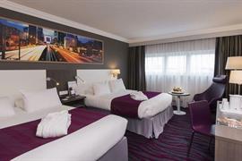 93780_007_Guestroom