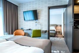 81031_006_Guestroom
