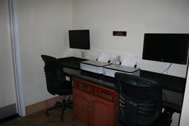 05607_004_Businesscenter