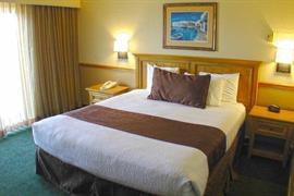 05232_007_Guestroom