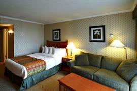 62025_006_Guestroom