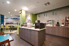 10397_004_Restaurant