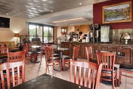 05521_002_Restaurant