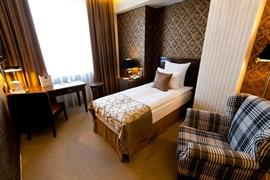 91207_007_Guestroom