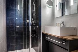 93815_003_Guestroom