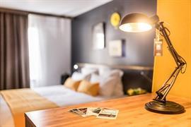 93815_004_Guestroom