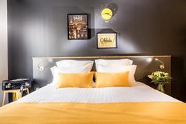 93815_006_Guestroom