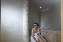 connaught-hotel-leisure-08-83679-OP