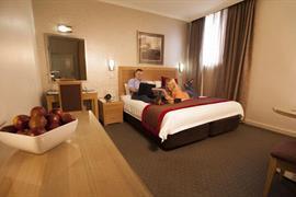 97304_007_Guestroom