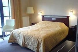 92925_005_Guestroom