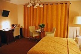 92925_007_Guestroom
