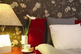 88057_002_Guestroom