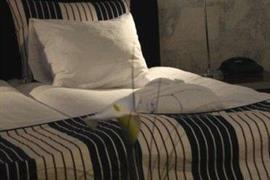 88057_003_Guestroom