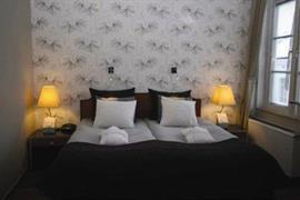 88057_004_Guestroom