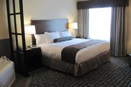 66111_006_Guestroom
