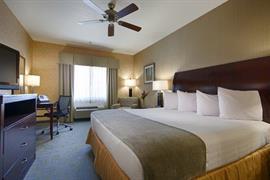 05688_005_Guestroom